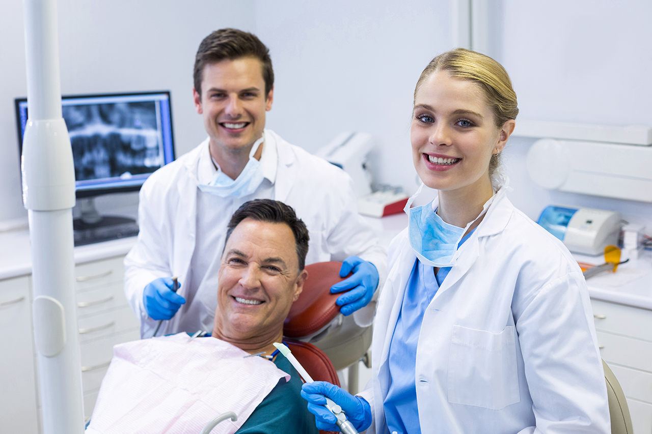 Tooth Responsibility: Dental Hygienist vs Dentist