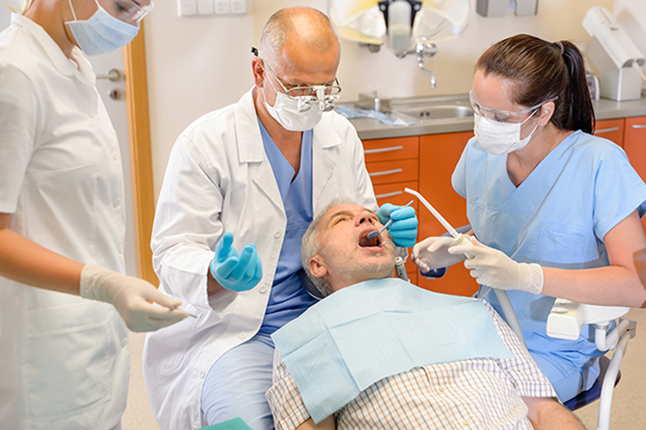Oral Surgery Tooth Extraction